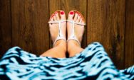 كيفية التخلص من فطريات أظافر القدم بشكل سريع وطبيعي