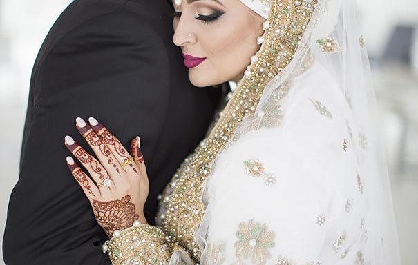 فساتين مذهلة لعرائس يرتدين الحجاب في يومهم الكبير (58 تصميما مذهلا للغاية)