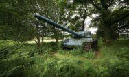 بالصور: آلات الحرب السابقة على الأراضي المنسية