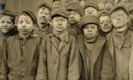 صور مروعة من سنة 1900 تظهر صراعات الأطفال العاملين قبل إلغاء عمل الأطفال!