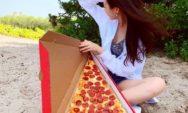 اكبر  شريحة بيتزا في العالم