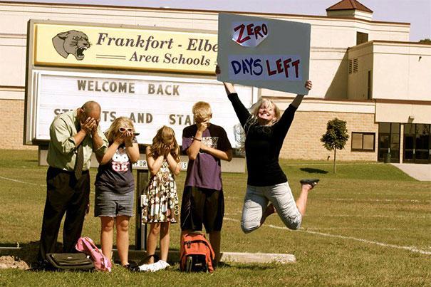 طرائف مضحكة: صور توثق فرحة الآباء بعودة أطفالهم إلى المدارس! 13