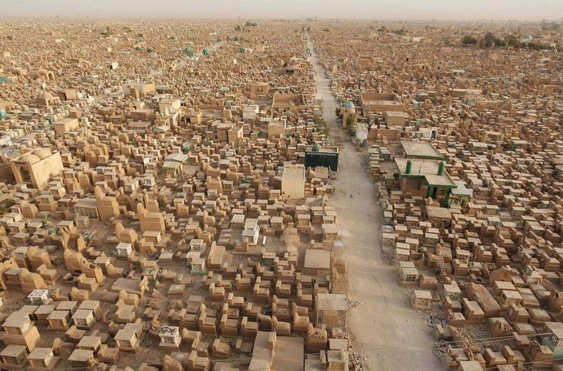 وادي السلام بالعراق: أكبر مقبرة في العالم 30