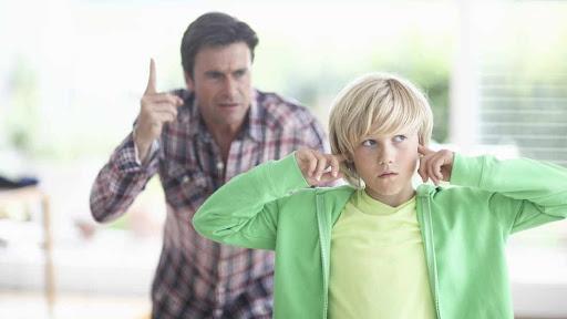 موضوع عن عقوق الوالدين اسبابه واضراره