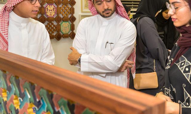 الصور ومقالات حول الاعمال الحرفية في المجتمع السعودي