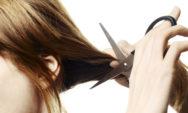 تفسير حلم قص الشعر لشخص آخر للعزباء والمتزوجة والحامل