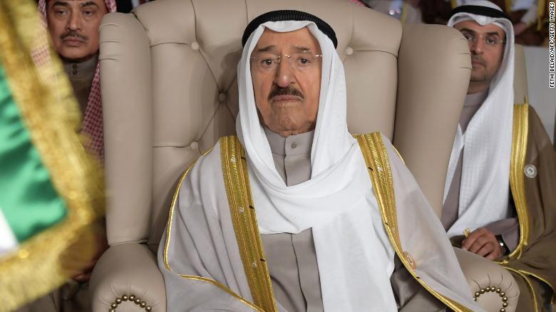 صور الشيخ صباح الاحمد امير دولة الكويت (صور نادرة)