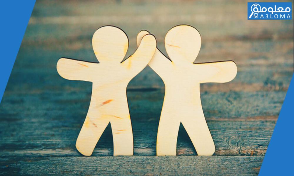تعبير عن الصديق المفضل بالانجليزي قصير ومترجم