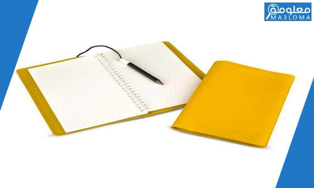 يعتمد الكاتب عند كتابة المذكرات الأدبية على …